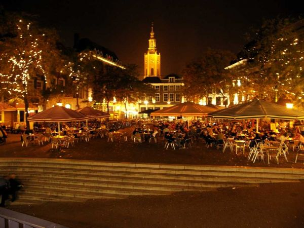 Grote Markt 's avonds